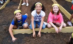 4h-kids-gardening
