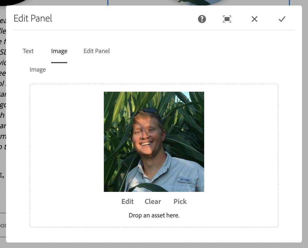 Image options for panel component with an alumni student's photo selected